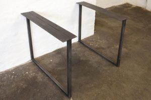 Priser:Spisebord: 1.900 kr.Sofabord: 1.500 kr.