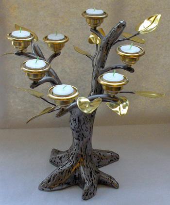 Lille lystræ/alterstage © kvindesmedien